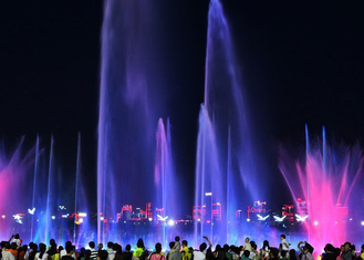 China Contemporary Art Musical Water Fountain Wonderful Light And Water Show 3D Images factory